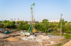Pile driver at a construction site Royalty Free Stock Photos