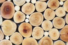 Pile du rondin en bois pour le fond Photo libre de droits