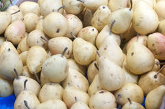 Pile of fresh and ripe pears Royalty Free Stock Photos