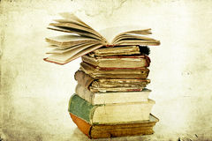 Free Pile Of Old Books Royalty Free Stock Image - 33036206
