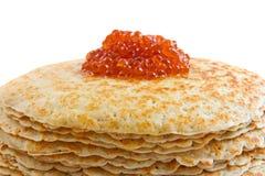pile rouge de crêpes de caviar Photos stock