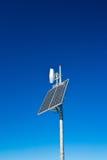 Pile solari sulla cima della montagna Fotografie Stock Libere da Diritti