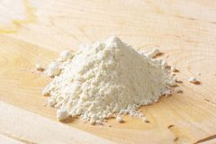 Pile of wheat flour Royalty Free Stock Photography