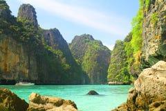 Pileh zatoka na Koh Phi Phi Le Wyspa, Tajlandia - Zdjęcie Stock