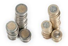 Piles d'argent (1 euro et euro 2) Image stock