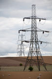 Pilões da eletricidade, campo de Oxfordshire, Reino Unido. Fotos de Stock