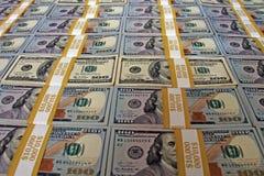 $100 piles de billets d'un dollar - piles d'argent liquide sur la table photo libre de droits