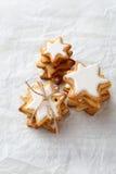 Piles de biscuits de Noël photographie stock libre de droits