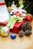 Piles de cadeaux de Noël Image libre de droits