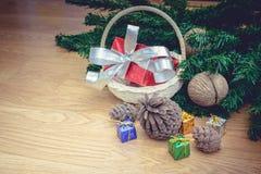Piles de cadeaux de Noël Photographie stock