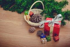 Piles de cadeaux de Noël Image stock