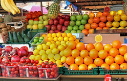 Piles de fruit Photo stock