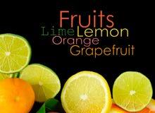 Piles de fruit coupé en tranches d'isolement Image libre de droits