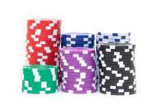 Piles de jetons de poker multicolores Image libre de droits