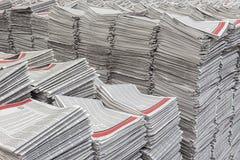 Piles de journaux Photos stock