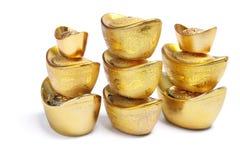Piles de lingots chinois d'or Image stock