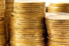 Piles de pièces de monnaie. Image stock