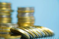 Piles de pièces de monnaie avec l'espace de copie pour des affaires et le conce financier Photos libres de droits