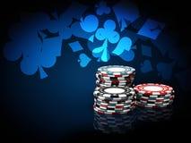 Piles de puces de casino illustration 3D sur le fond bleu Photos libres de droits