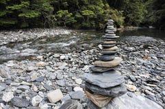 Piles de roches aux automnes de rose des vents Photographie stock
