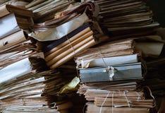 Piles de vieux documents Images libres de droits