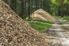 Piles des granules en bois Photo stock