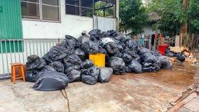 Piles des sacs de déchets Photo stock