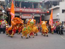 Traditional temple fair Around the event -lion dance troupe stock photos