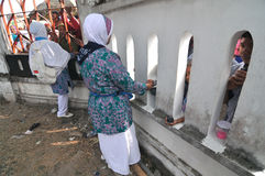 Pilgrims say goodbye to family Stock Image