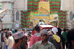 Pilgrims visit the sufi shrine Dargah Sherif  in Ajmer, Rajasthan Stock Images