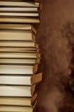Pilha ardendo sem chama de livros Fotos de Stock