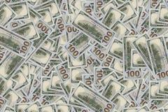 Pilha cem de contas novas e velhas das notas de dólar Imagem de Stock