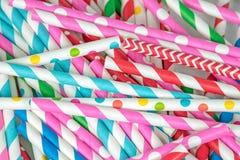 Pilha colorida da palha bebendo Fotografia de Stock Royalty Free