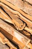 Pilha com madeira do incêndio imagens de stock royalty free