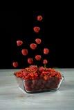 Pilha da framboesa fresca e do corinto vermelho Foto de Stock Royalty Free