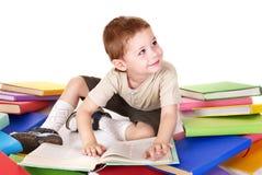 Pilha da leitura da criança dos livros. Fotos de Stock Royalty Free