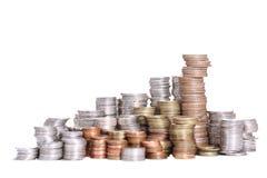 Pilha da moeda com trajeto de grampeamento Imagem de Stock