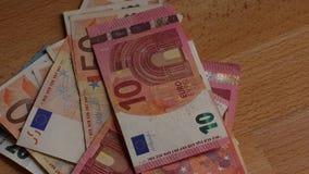Pilha das euro- cédulas de papel vídeos de arquivo
