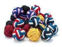 Pilha das ligações de punho de seda do nó imagem de stock