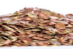 Pilha das moedas de cobre imagens de stock