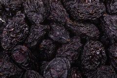 Pilha de ameixas secas secadas Imagem de Stock