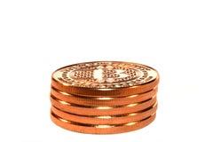Pilha de Bitcoin, moedas criptos, brancas Fotografia de Stock Royalty Free