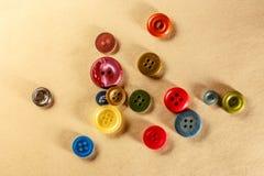 Pilha de botões coloridos Imagens de Stock Royalty Free