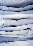 Pilha de brim azul Fotos de Stock