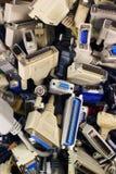 Pilha de cabos do computador e de conectores de relação velhos fotos de stock royalty free