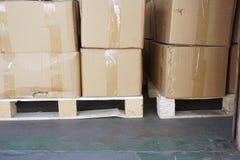 Pilha de caixa da caixa Imagens de Stock Royalty Free