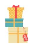 Pilha de caixas de presente envolvidas coloridas Fotos de Stock Royalty Free