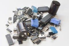 Pilha de componentes eletrônicos imagem de stock