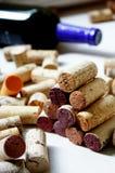 Pilha de cortiça do vinho Fotografia de Stock Royalty Free