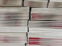 A pilha de desembalado morre caixa ou caixa marrom fotos de stock royalty free
